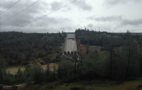 Oroville Dam in Danger of Collapsing
